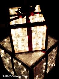 pre lit christmas gift boxes diy vintage chic how to make lighted christmas presents for outdoors