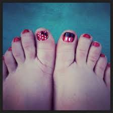 disney nails minnie and mickey mouse toes toenails pinterest