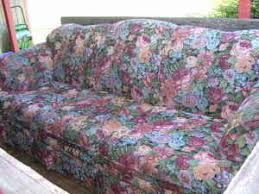 Floral Couches 2011 World U0027s Ugliest Couch Contest Has Begun