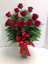 a dozen roses stunning roses