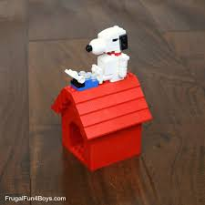 snoopy on his dog house snoopy and his dog house lego