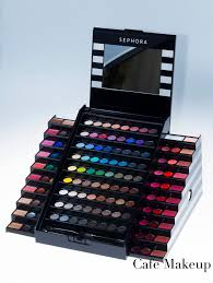 sephora makeup academy palette this is a 90 make up kit but it