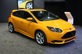 ford focus st yellow 2013 yellow ford focus st la auto drivingscene