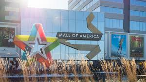 only three stores opening on thanksgiving at mall of america
