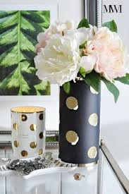 measures 7 5 tall vase is hand painted white with a single gold
