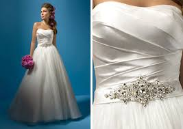 sparkly belts for wedding dresses 2011 wedding dress trend sparkles jewels oh my