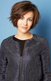 Frisuren Bob Mittellang Wellig by Best 25 Bob Frisuren Kurz Ideas On Sehr Kurzer Pony