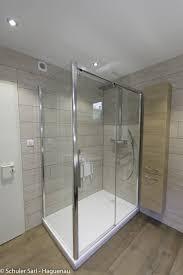 parquet pour salle de bain salle de bain imitation parquet idées de design maison et idées