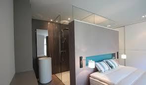 salle de bain ouverte sur chambre de bain ouverte à la chambre la suite parentale par excellence
