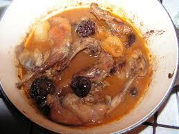 cuisiner un lapin de garenne lapin de garenne aux abricots et pruneaux entre prés et chs