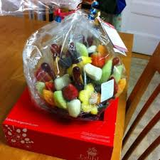 edible gift baskets edible arrangements 12 photos 31 reviews chocolatiers