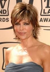 what is the texture of rinnas hair lisa rinna short sassy signature hairstyle hairboutique articles