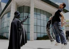 darth vader force choke does darth vader s habit of force choking subordinates make him a