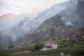 Canada Wildfire Smoke Usa by Wildfire Smoke From U S Helps Calm B C Wildfires The Globe And