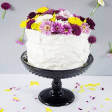 cake decorating with real flowers decorative flowers