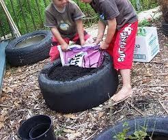 let the children play gardening with children at preschool