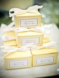 wedding cake boxes for guests these large white wedding cake boxes allow your guests to take a