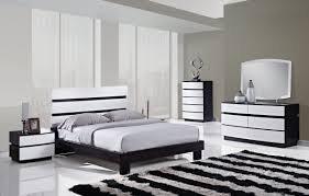 Black White Bedroom Decorating Ideas Green Natural Plant Create Natural Nuance Black And White Bedrooms