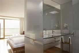 chambre salle de bain ouverte une salle de bains dans la chambre les 9 idées à suivre côté maison