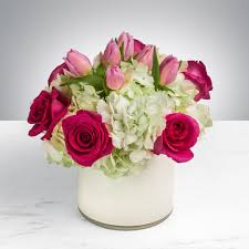 bouquet delivery flirty by bloomnation in wimberley tx wimberley flower shop