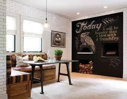 deco cuisine mur mur d une cuisine rustique transformé en géant tableau noir à écrire