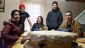 volunteers homeless gather for thanksgiving lunch the boston globe