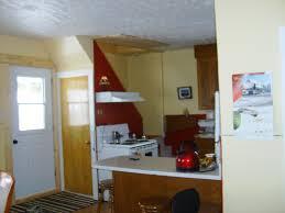 toilette sous escalier maison a vendre a st rémi de tingwick