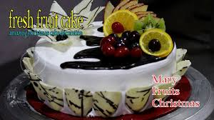 Christmas Cake Decorations With Fruit by Fresh Fruit Cake Recipe Cake With Fresh Fruits On Top
