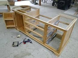 caisson cuisine bois meuble cuisine bois cration de mobilier de cuisine de charme