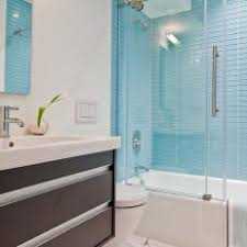Photos HGTV - Blue glass tile backsplash