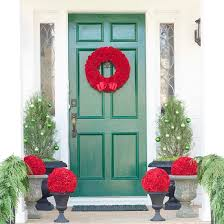 Outside Christmas Window Decorations by 50 Fabulous Outdoor Christmas Decorations For A Winter Wonderland