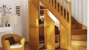 Placard Sous Escalier Avec Tablettes Des Rangements Sous Escalier