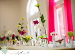 Daisy Centerpiece Ideas by Why I Love Wedding Blogs Centerpieces Vase Centerpieces And