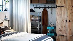petit dressing chambre amenager une chambre d enfant 13 armoire ou dressing dans une