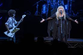 stevie nicks surprises u0027school of rock u0027 crowd talks prince