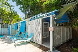 rent poolside paradise tropical village nightly rental key