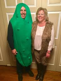 can you figure out the dirty pun of this couple u0027s halloween costume