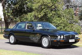 100 jaguar jx8 sold jaguar xj8 3 2 v8 saloon auctions lot
