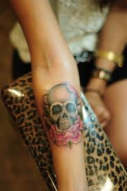 small girly skull design of tattoosdesign of tattoos