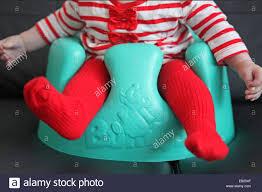 si e bumbo bumbo baby seat immagini bumbo baby seat fotos stock alamy
