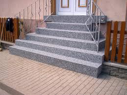 steinteppich verlegen treppe fußböden bodenbelag bodenfliesen steinteppich innen und außen