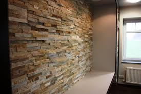 steinwand wohnzimmer beige funvit wohnzimmer modern lila