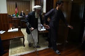 bureau du procureur en afghanistan un haut magistrat ouvre sa porte aux déçus de la