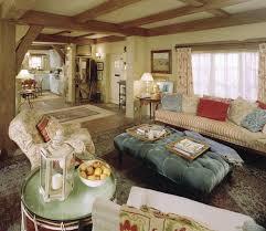 cottage livingroom best 25 cottage living ideas on cottage homes