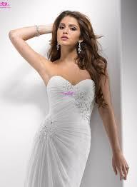 wedding trend ideas wedding dresses for a beach ceremony