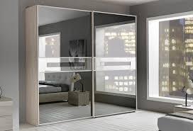 armoire chambre portes coulissantes armoire contemporaine en bois avec porte coulissante avec