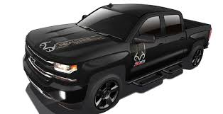 chevy vehicles 2016 chevrolet confirms silverado realtree edition for canada