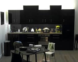 cuisine en noir cuisine bois exemple de plan de travail pour cuisine