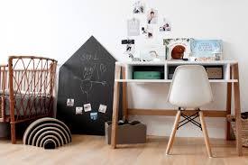 chambre bebe design scandinave une déco scandinave noir et blanc pour la chambre d u0027enfant