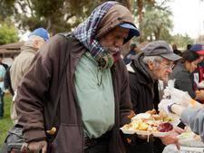 volunteer opportunities in la food charities that need your help